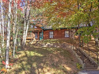 New! 4BR 'Great Smoky Mountain Getaway' Cabin