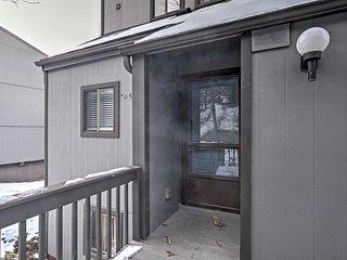 Modern Home w/Deck-5 Min Walk to Camelback Slopes!