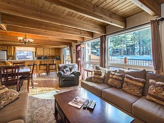 6BR, 3BA South Lake Tahoe House Near Heavenly with Hot Tub