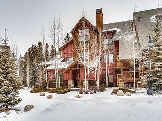 2 BD, 2.5 BA Keystone Townhouse – Snake River Views!