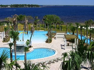 Destin West-Lazy river pool. 3/18 & 3/25 wk-1,200, Fort Walton Beach