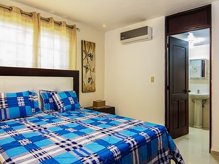 Resort Style Apt 3bd w/ free 30mbps wifi & Cable