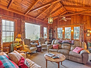 'Skyla' 5BR Highlands House w/Mountain Views!