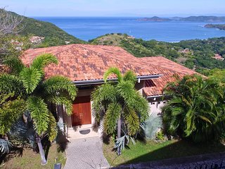 Luxury overlooking Gulf from your infinity edged pool - Casa Pasmosa