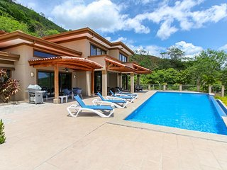 Wonderful Ocean View Home Overlooking Playa Hermosa - Casa Antonelli