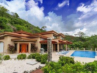 Wonderful Ocean View Home Overlooking Playa Hermosa - Casa Antonelli