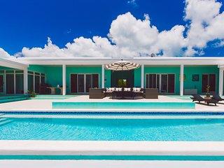 Zion | Beachfront Paradise | Swimming Pool | Modern Luxury | Central Eleuthera