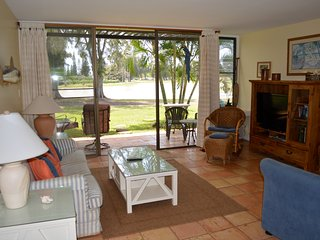 Elegant and Spacious Townhouse at Turtle Bay, Kahuku