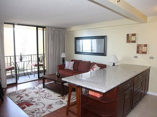 Newly Renovated 1-bedroom, Waikiki Vacation Rental, Sleeps 5