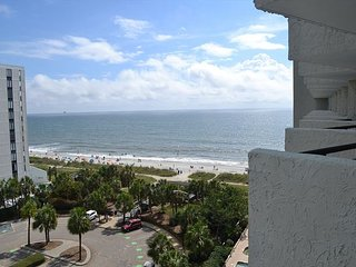 Blue Water Resort 821 | Newly Decorated Condo with Wonderful Ocean View, Myrtle Beach