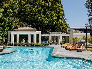 Sunnyvale luxury at beautiful Shadowbrook!