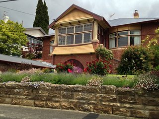 Akton House, Hobart
