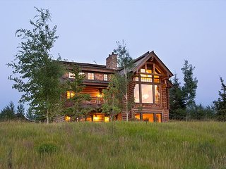 Luxury Log Cabin at Teton Springs Resort - Sleeps 12, Víctor