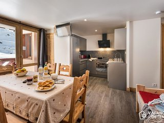 Amazing Ski-In / Ski-Out with Fantastic View: Charming and Spacious (NAJ2)