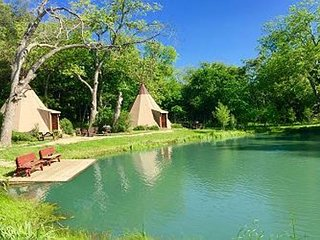 Unbelievable Tipis on Geronimo Creek! Heated/AC, Insulated-Sleeps up to 6, Seguin