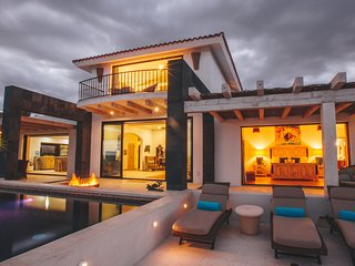 Chic, contemporary, eco-friendly beachfront villa, San José Del Cabo