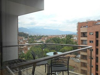 Posh and Modern! Roof Deck with Sauna, Steam, Gym, Medellín