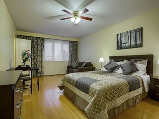Hotel Alternative 5 Stars rooms at Charlton Suites Located at Yonge Finch Area, Thornhill