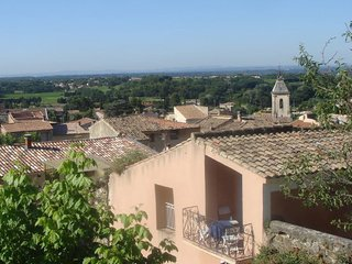 Charming & comfortable village house in Beaumes de Venise, Provence