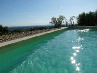 Luxe vakantievilla met zwembad en verzichten