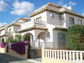 7/27 2 bedroom villa +  PRE PAY WIFI cost 1 week €20, 2 weeks €30, 3 weeks €40