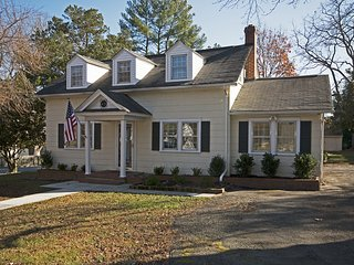 Beautiful 3 Bedroom Home Located Near Williamsburg, Gloucester