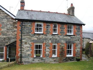 BRYN AWEL Traditional characterful cottage. Perfect base for exploring the area, Penmachno