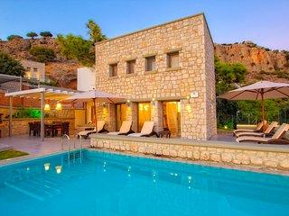 Villa Luciana. Private Exclusive 3 bedroom/ one bathroom villa with private pool