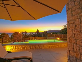 Private Exclusive 3 bedroomed/ one bathroom villa with private pool, Pefkos