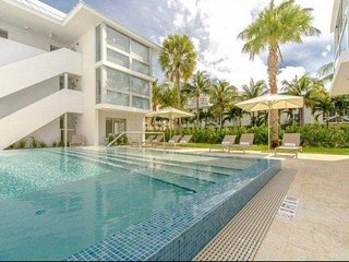 ASK FOR DISCOUNTS  - Beach Haus - 2 Bedroom Key Biscayne Condo Beach Club & Pool