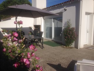 Beach house Ocean, 400 meters from the sea and village, Ile de Ré, Le Bois-Plage-en-Re