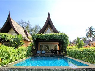 Holiday Pool Villa 61C