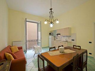 Vietri sul Mare Villa Sleeps 4 with WiFi - 5310350