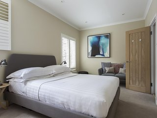 onefinestay - Park Square Mews private home, London