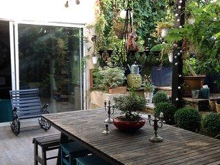 extérieur : patio et jardin