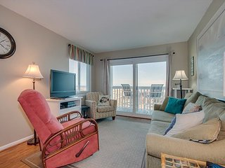 Comfortably furnished oceanfront in a small complex, close to everything
