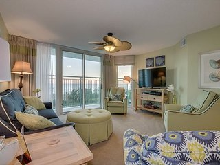 Spacious 1st floor oceanfront condo, great amenities, close to attractions