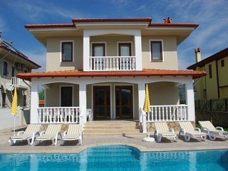 Fabulous 5 bed detached villa with private pool and gardens- Dalyan