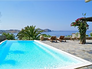 4 Bedroom with Private Pool by the One Mykonos, Agios Ioannis Diakoftis