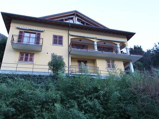 VILLA ROSINA - 3 units with lake views free WIFI, Nesso