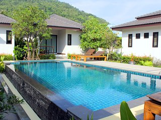 House 1 Bedroom & Pool near Beach