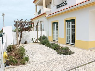 Comfort near the beach, Atouguia da Baleia