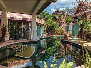 Luxurious 5-bed private pool villa, Jomtien Beach