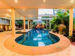 Large luxury 4 bedroom pool villa, Jomtien Beach