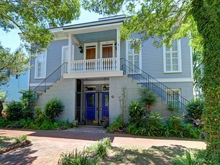 """Rest Well with Southern Belle Vacation Rentals at """"Park Ave 209"""""""