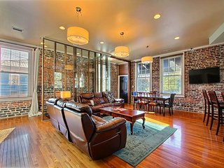 One of the most unique homes in Savannah Georgia. Sleeps 2-16 with plenty of