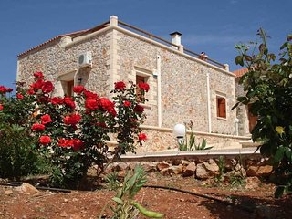VIOLA SUITES,VILLA THREE,LOVELY COUNTRY HOUSE WITH SHARED POOL