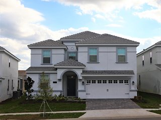 Orlando ChampionsGate Disney, Golf 8B/5BR Vacation Home 9024