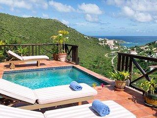 Moondance: Charming 2 bedroom villa overlooking the sea | Island Properties