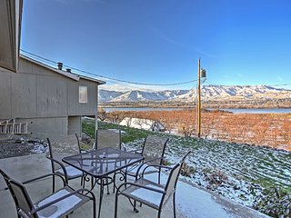 3BR East Wenatchee House w/Beautiful Views!